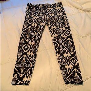 PINK Victoria's Secret Pants - 2 pair of PINK by Victoria's Secret leggings sz M